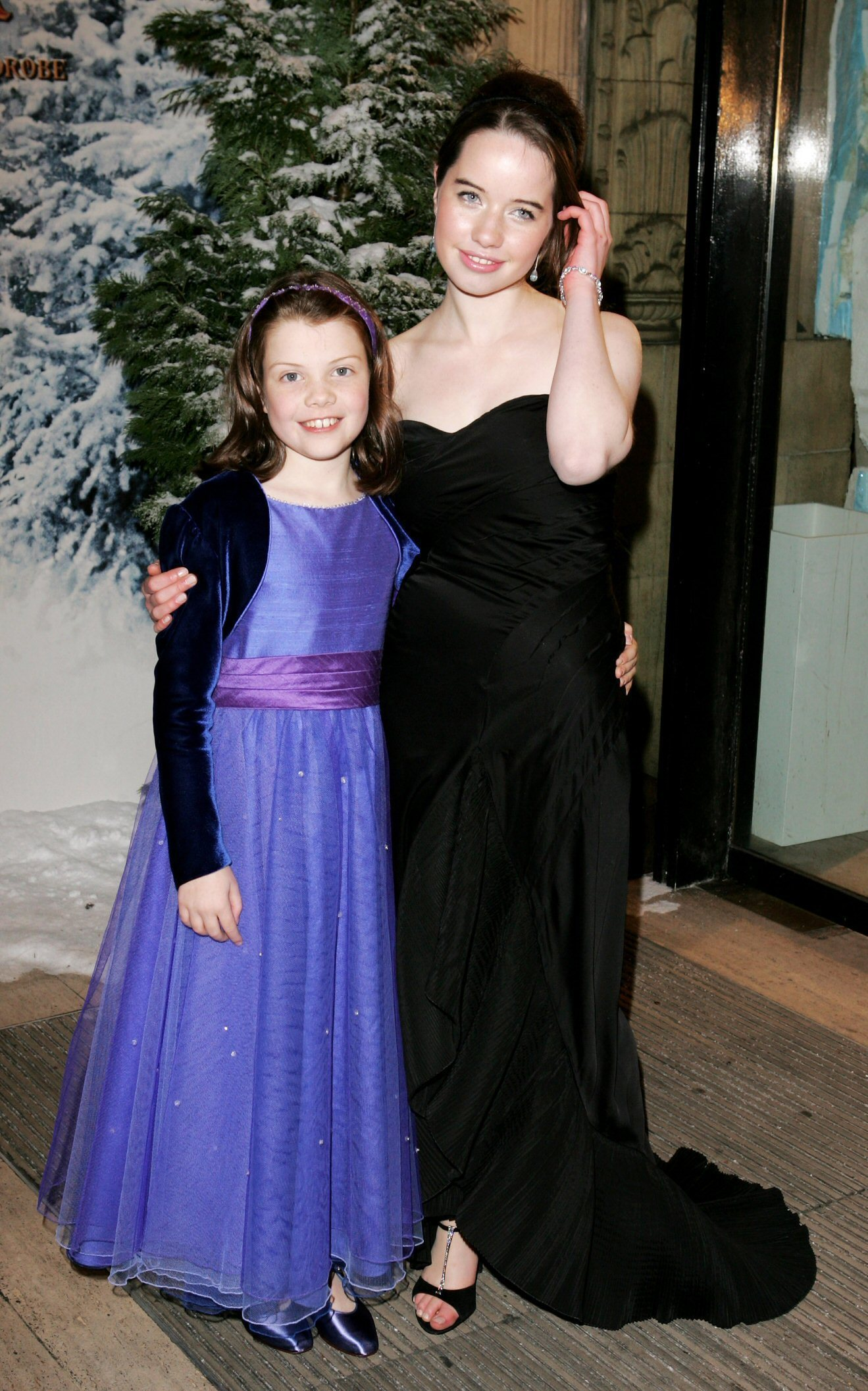 Anna Popplewell Anna Popplewell and Georgie Henley