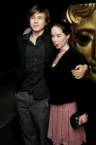 Anna Popplewell and William Moseley