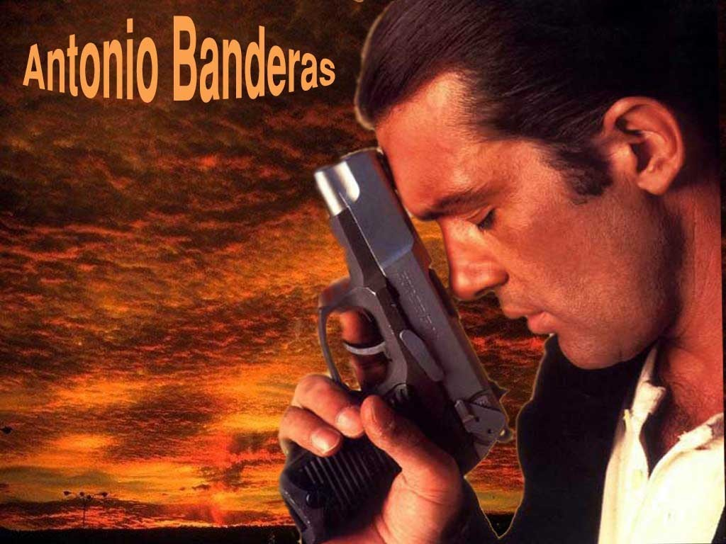 http://images1.fanpop.com/images/photos/1400000/Antonio-D-antonio-banderas-1419600-1024-768.jpg
