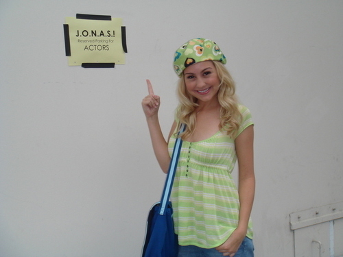 Chelsea on the set of J.O.N.A.S