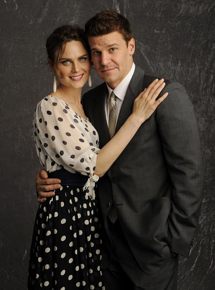 David Boreanaz and Emily Deschanel - Bones Photo (1480140 ...