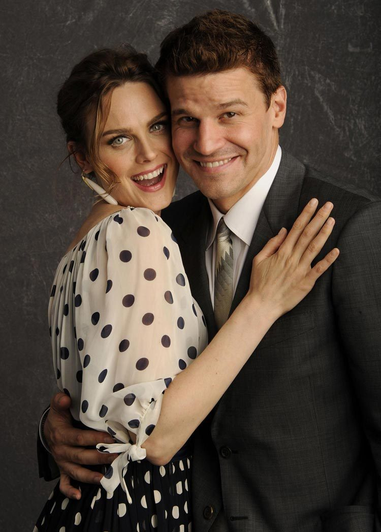 David Boreanaz and Emily Deschanel - Bones Photo (1480143 ...