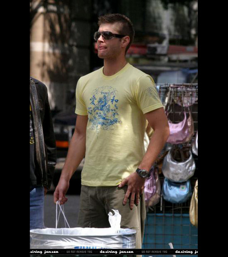 Jensen Ackles wallpaper entitled Jensen & Sunglasses