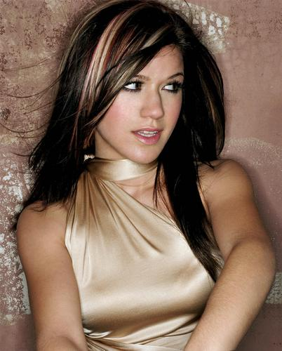 kelly clarkson wallpaper with attractiveness, a portrait, and skin called Kelly
