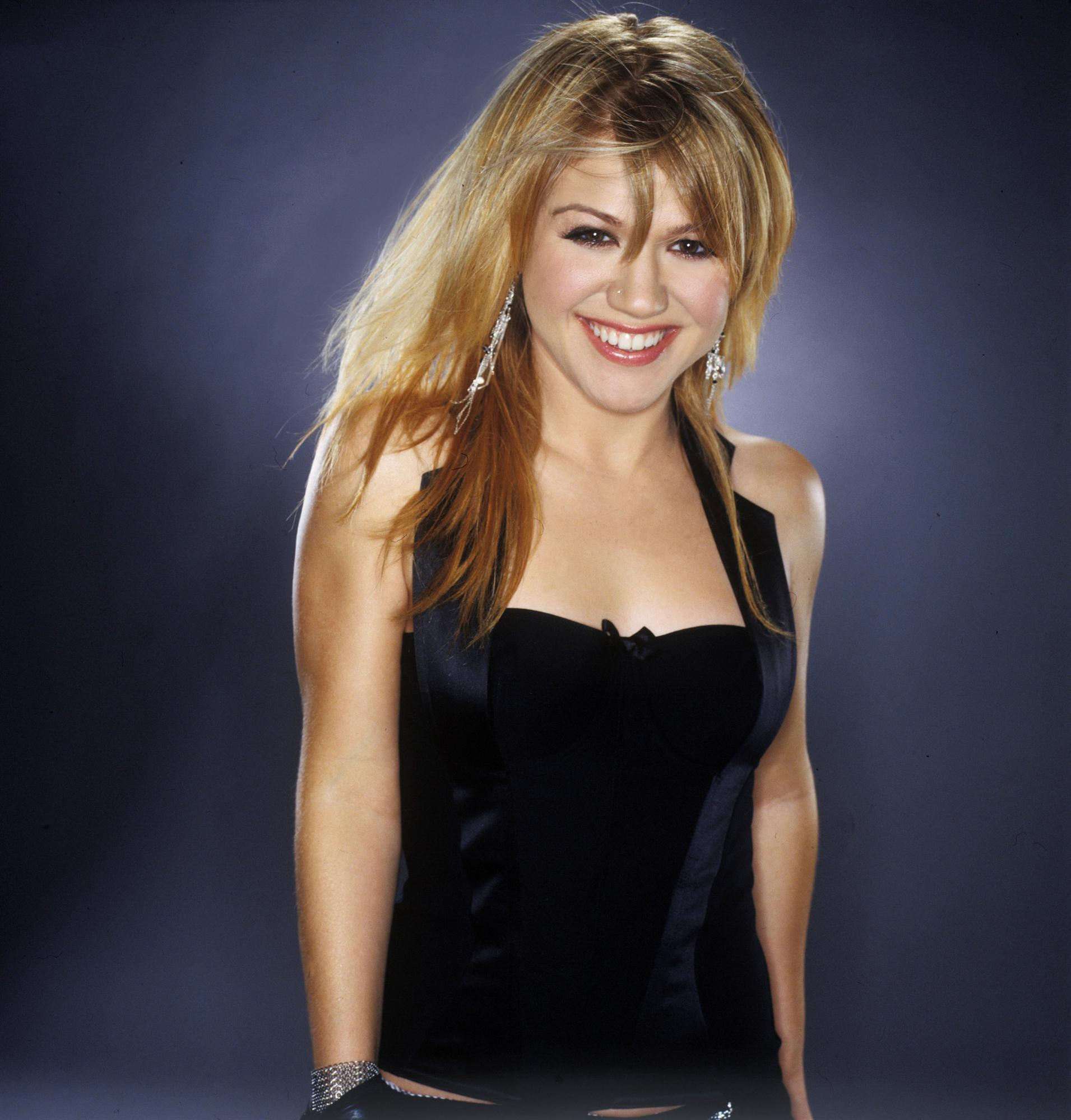 Kelly kelly clarkson photo 1418914 fanpop for New pictures