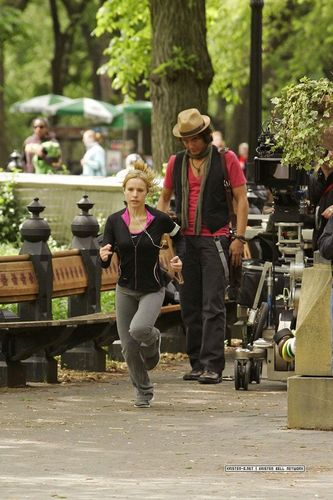Kristen Bell wallpaper containing a park bench called Kristen shooting for When In Rome!