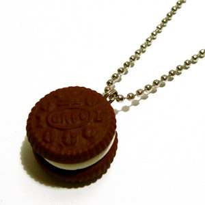 Oreo Cookie Necklace! - oreo Photo