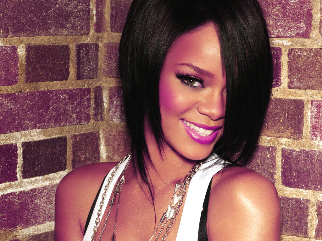 http://images1.fanpop.com/images/photos/1400000/Rihanna-rihanna-1410219-1024-768.jpg