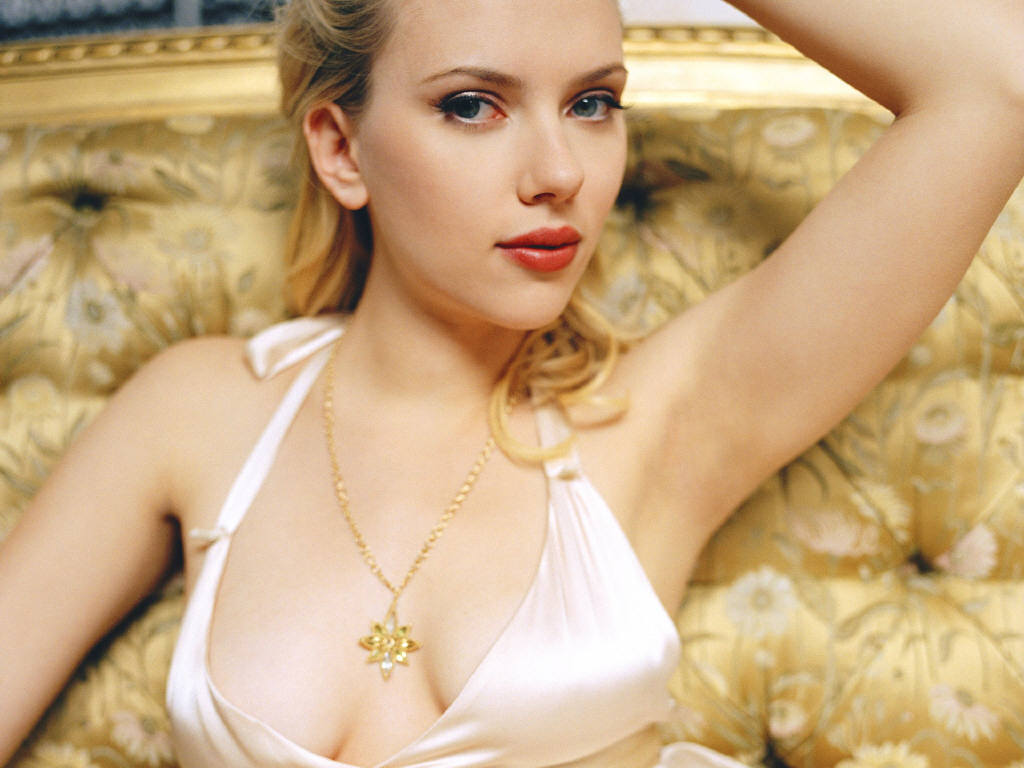 Scarlett Johansson 768 Rock Love Poster Film Indonesia