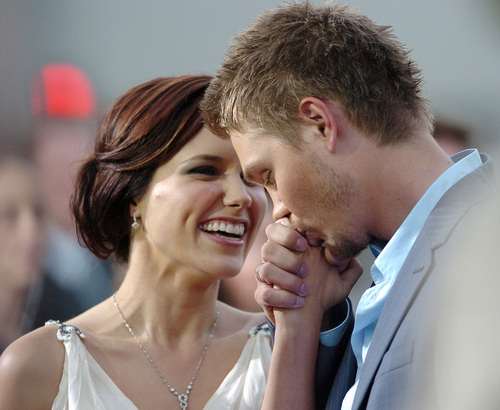 Sophia semak, bush & Chad Michael Murray