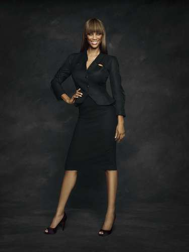 Tyra Banks achtergrond with a business suit and a well dressed person called Tyra