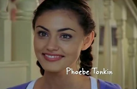 Phoebe Tonkin wallpaper containing a portrait titled cleo