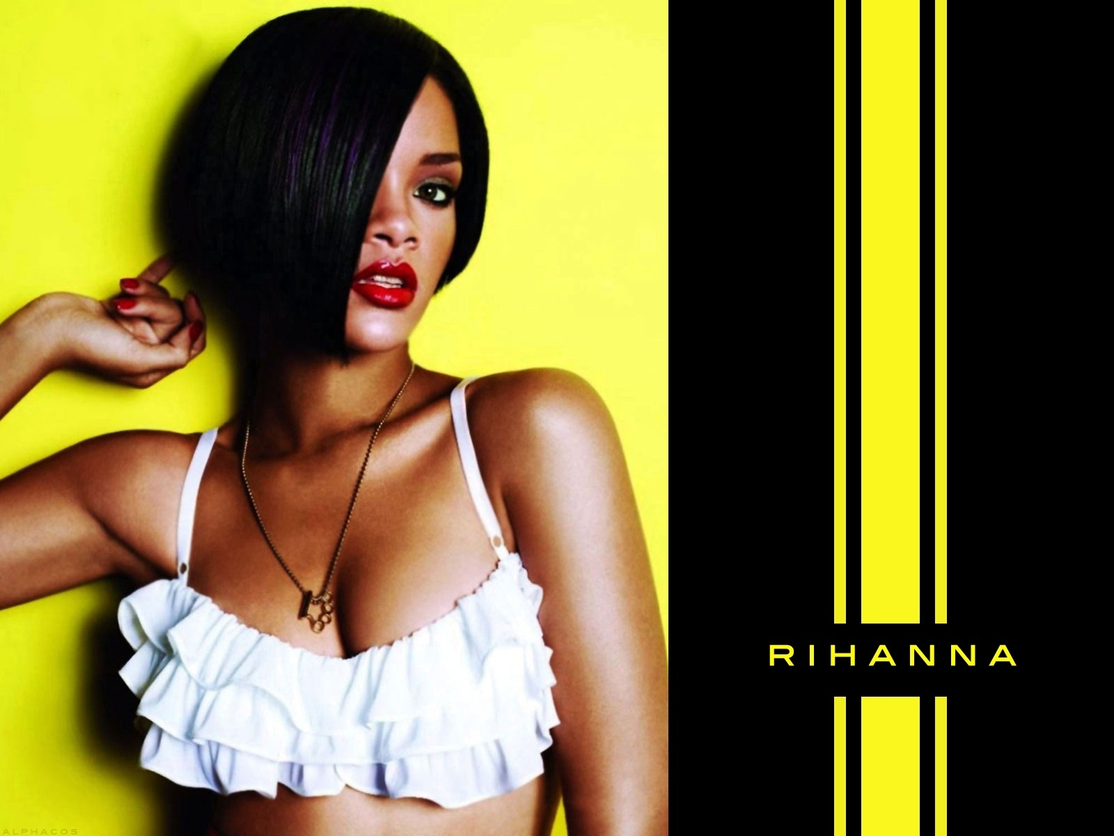 http://images1.fanpop.com/images/photos/1400000/rihanna-rihanna-1453210-1600-1200.jpg