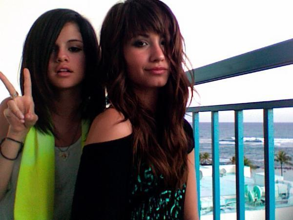 pictures of selena gomez and demi. selena and demi