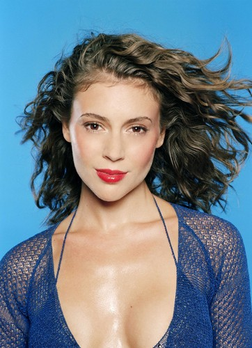 Alyssa Milano achtergrond possibly containing a portrait entitled Alyssa Milano