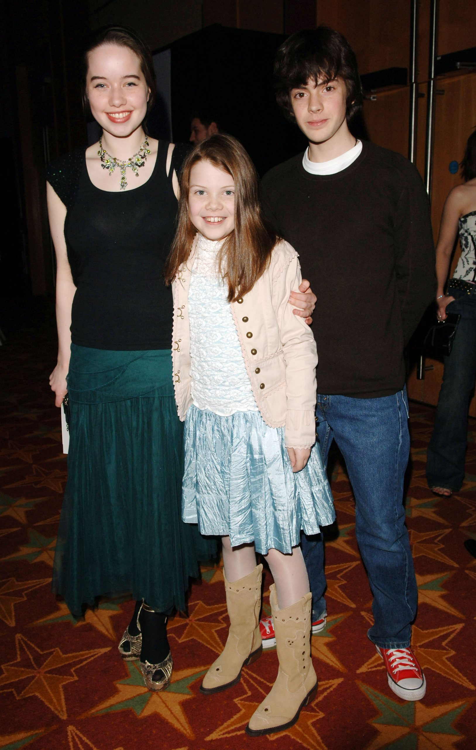 anna popplewell and skandar keynes dating William moseley and anna popplewell cross swords at the german premiere of played by skandar keynes that's nice, but where anna kendrick.