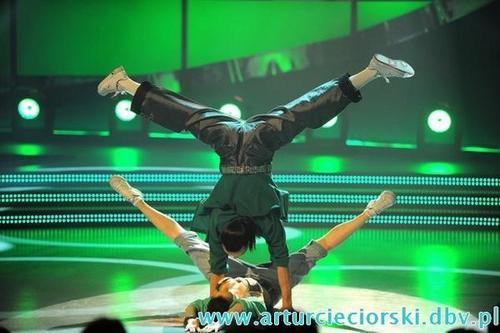 So You Think You Can Dance wallpaper entitled Artur & Kasia - You Can Dance hip-hop (Poland)