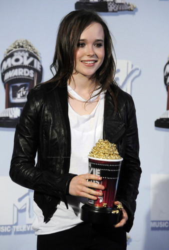 Ellen Page پیپر وال called Ellen