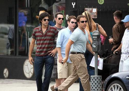 Kevin Connolly, Jeremy Piven & Adrian Grenier Walk it Out at Urth Caffe 06-16-08 - kevin-connolly Photo