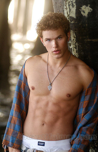 Kellan Lutz - Picture Hot