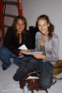 Marc द्वारा Marc Jacobs Spring 2005: Backstage