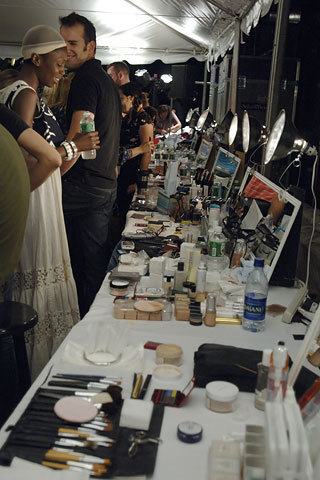 Marc Jacobs Spring 2006: Backstage