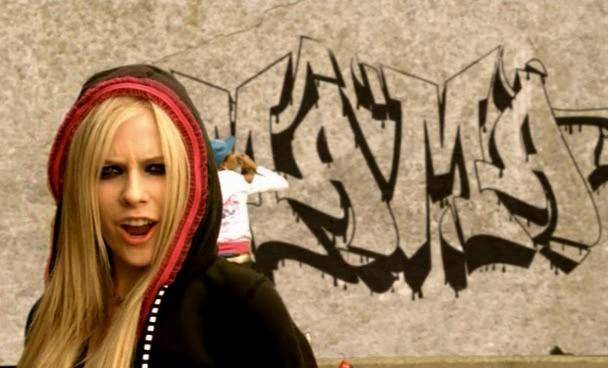 Катерина шпица. Avril lavigne – «girlfriend». Точь-в-точь.