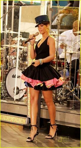Rihanna - Today montrer