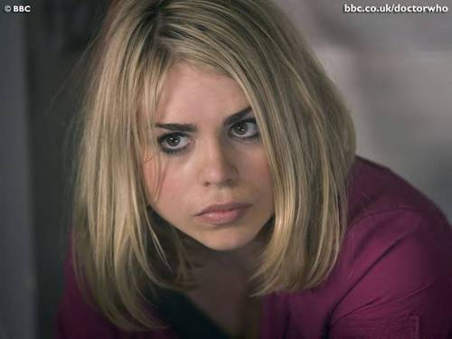 Rose Tyler wallpaper with a portrait titled Rose Tyler