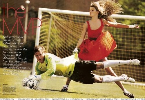 Vogue wallpaper called Vogue: September 2005 - Gisele Bundchen