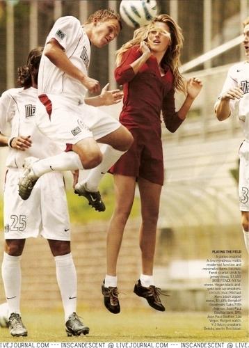 Vogue: September 2005 - Gisele Bundchen