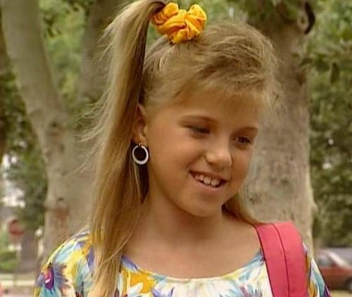 Full House wallpaper with a portrait entitled Stephanie Tanner