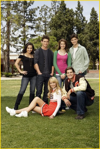 The Secret Life of the American Teenager wallpaper entitled Cast Promotional Shot