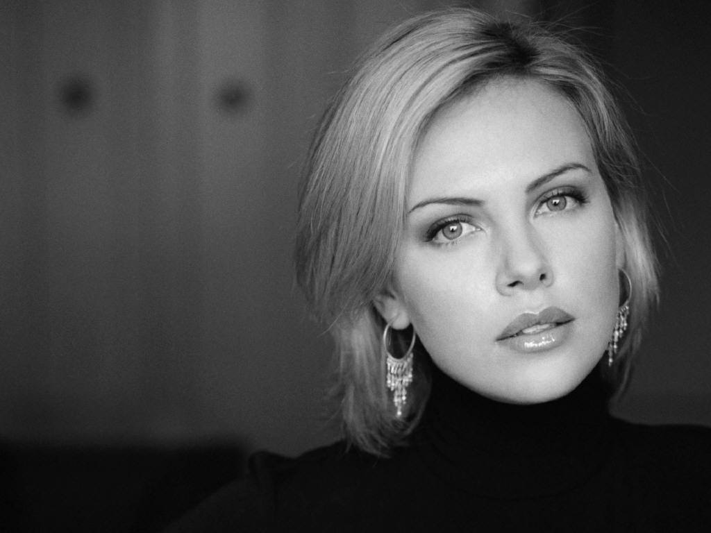 Charlize-charlize-theron-1693275-1024-76