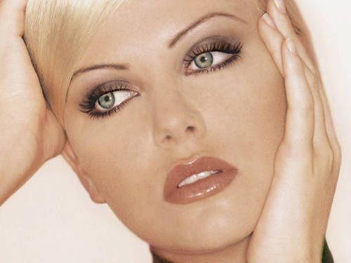 Charlize Theron wallpaper with a portrait titled Charlize