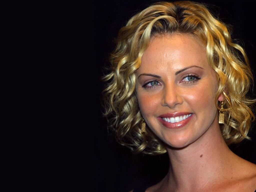 Charlize - Charlize Theron Wallpaper (1693500) - Fanpop