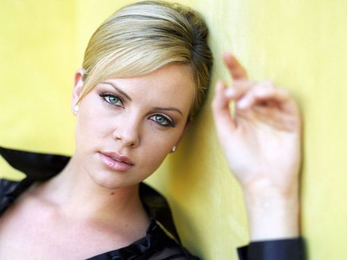 Charlize Theron wallpaper containing a portrait called Charlize