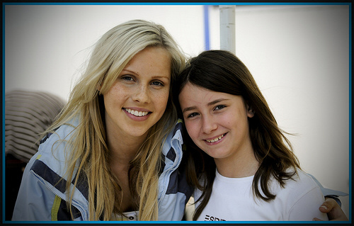 http://images1.fanpop.com/images/photos/1600000/Claire-Holt-h2o-just-add-water-1637371-500-319.jpg