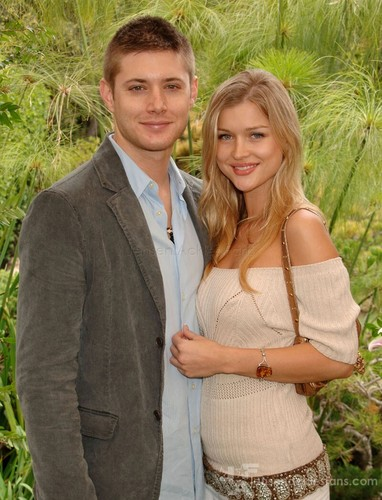 Jensen & his girlfriend