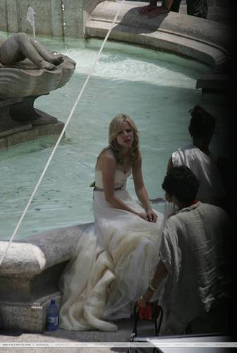 K. bel, bell On The Set of 'When In Rome' (without spoilers)