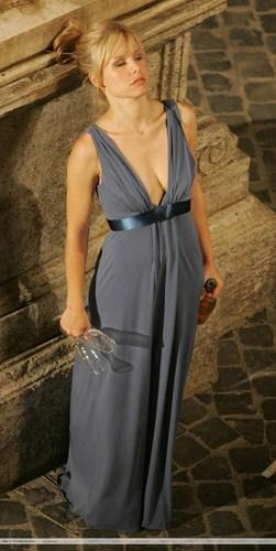 Kristen Bell on set 'When in Rome'