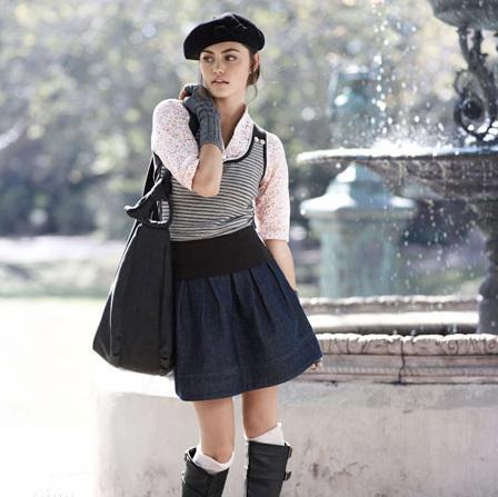 """Obrázek """"http://images1.fanpop.com/images/photos/1600000/Phoebe-Tonkin-as-a-model-h2o-just-add-water-1609121-448-447.jpg"""" nelze zobrazit, protože obsahuje chyby."""
