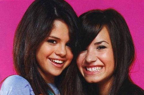 Selena & Demi