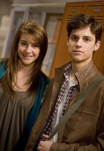 The Secret Life of the American Teenager wallpaper entitled Shailene Woodley & Kenny Baumann