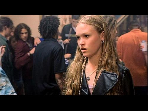 Ten Things I Hate About You Film Stills: Julia Stiles Images 10 Things I Hate About You Wallpaper