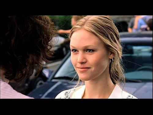 Julia Stiles wallpaper containing a portrait entitled 10 Things I Hate About You