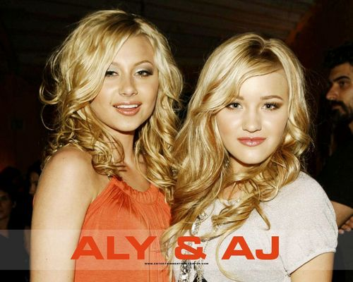 Aly & AJ fond d'écran with a portrait entitled Aly & AJ