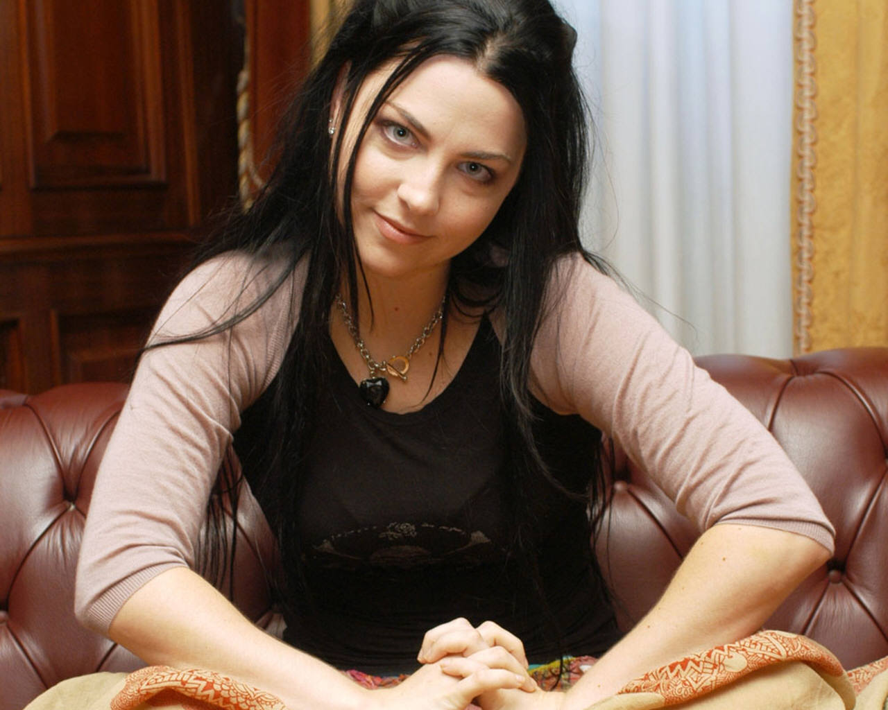 Amy Lee - Wallpaper Hot