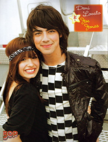 Jemi achtergrond probably containing an outerwear, a street, and a box jas called Jemi :]