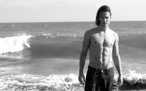 Taylor Kitsch wallpaper possibly containing a hunk, swimming trunks, and skin entitled Taylor Wallpaper